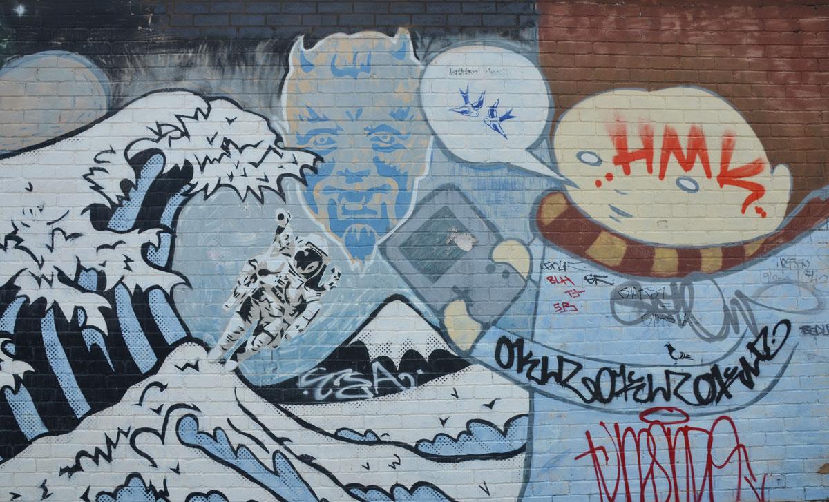 blog_mural_hokusai_astronaut_wave