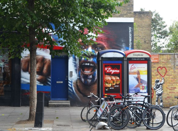 blog_street_art_phone_booths